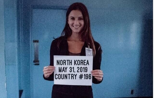Lexie Alford, de 21 anos, em seu último destino na missão de conhecer o mundo todo: a Coreia do Norte