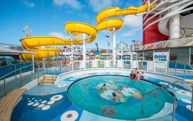 """O """"Aqualab"""" é uma área aquática dos cruzeiros da Disney Cruise Line que é inspirada nos sobrinhos do Pato Donald"""