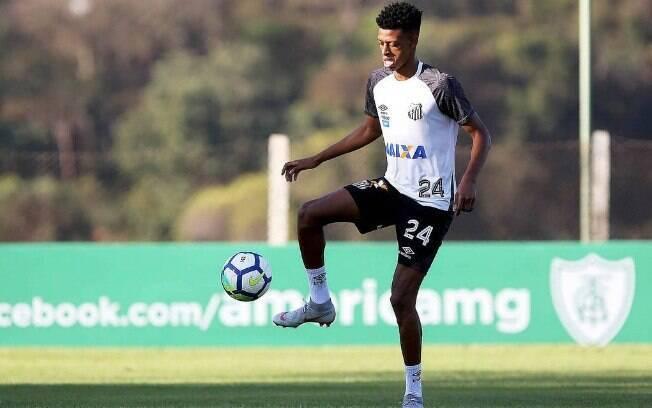 Zagueiro Robson Alves tem contrato com o Santos somente até o fim de 2018