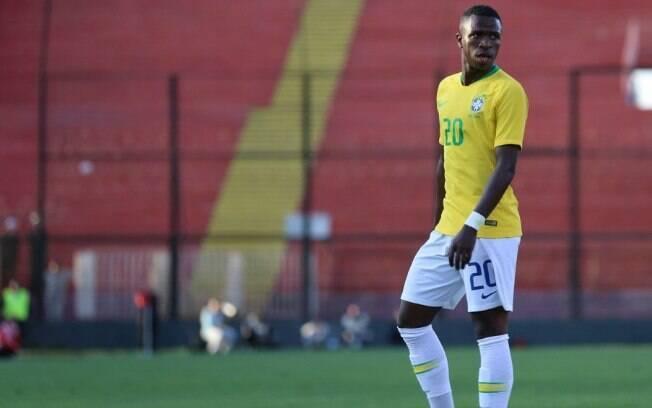 Vinicius Junior em campo pela seleção brasileira