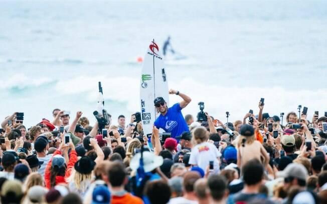 Owen Wright é o campeão do Quiksilver Pro Gold Coast 2017, primeira etapa do mundial de surfe