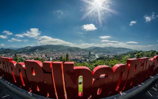 O monte Artxanda permite que os turistas tenham uma vista panorâmica de tirar o fôlego da maior cidade do País Basco