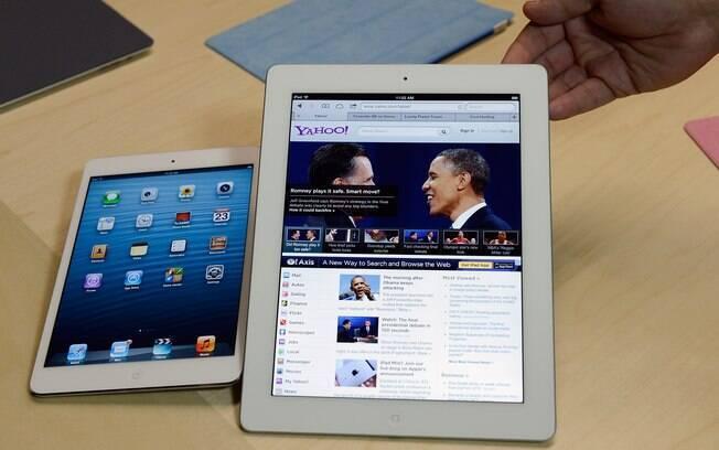 iPad Mini ao lado da versão de 9,7 polegadas do iPad