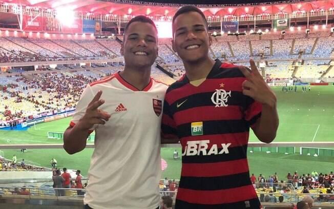 Irmãos em jogo no Maracanã