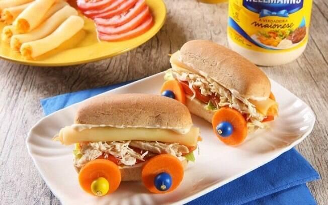 O sanduiche de carrinho faz sucesso entre a garotada
