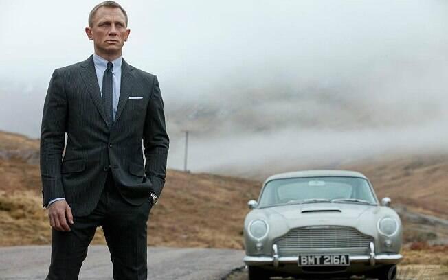 Perseguições de carros fazem parte do cotidiano do agente James Bond