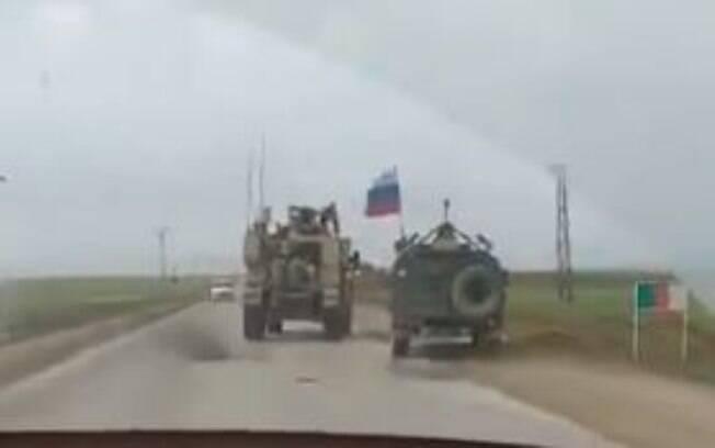 Veículo da esquerda é dos EUA e o da direita da Rússia