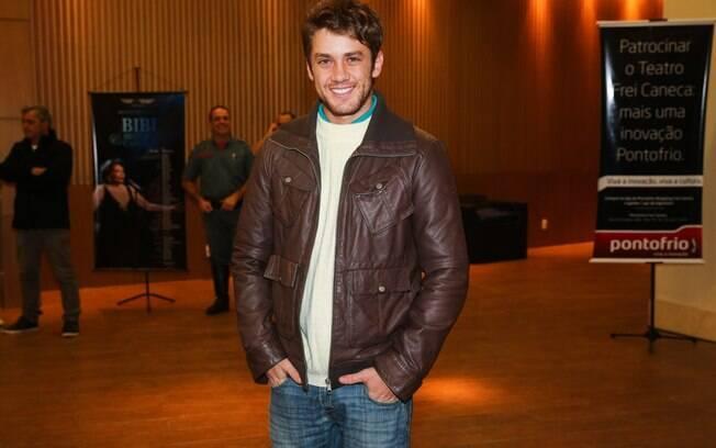 Leonardo Miggiorin estava entre os convidados da estreia de Bibi Ferreira
