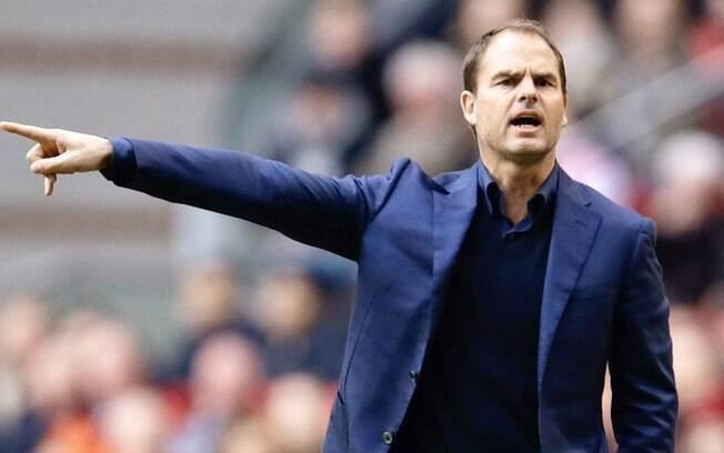 Frank de Boer critica igualdade salarial entre homens e mulheres na seleção holandesa