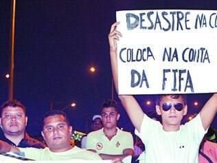 Moradores da capital fizeram um protesto ontem no local do acidente