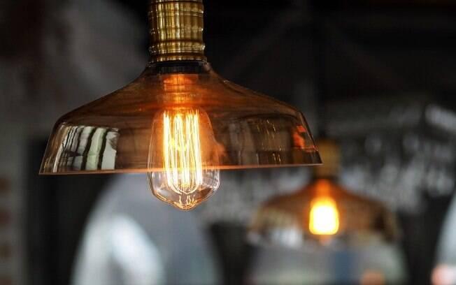 Contas de luz ficarão mais caras a partir do mês de abril para mais de 4 milhões de usuários do interior de São Paulo.