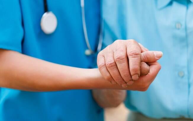 Mesmo que ainda não exista cura para a doença, algumas atitudes podem fazer ajudar no tratamento