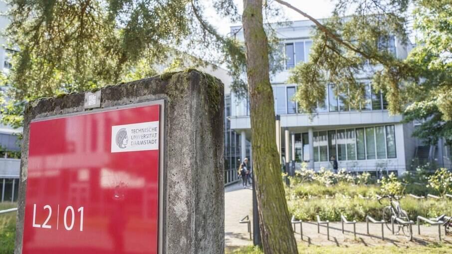 Campus Lichtwiese da Universidade Técnica de Darmstadt, na Alemanha, onde houve envenenamento com líquido até agora misterioso