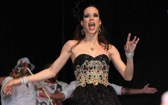 Ana Furtado é rainha de bateria da Grande Rio