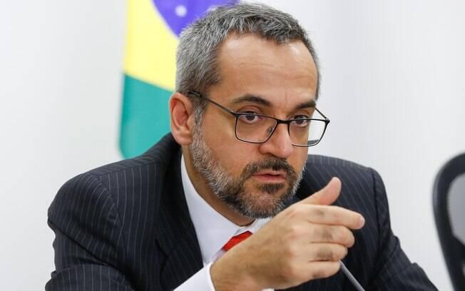 O Ministro da Educação, Abraham Weintraub, garantiu que o Future-se não vai interferir na autonomia das universidades públicas.
