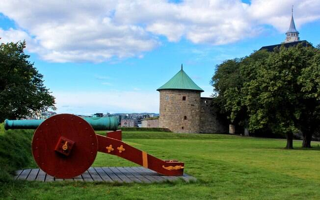 O castelo e a fortaleza foram construídos para proteção de ataques externos