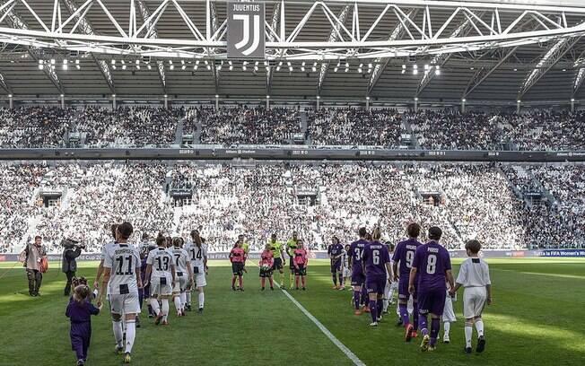 Juventus e Fiorentina fizeram o jogo de futebol feminino de maior público da história da Itália