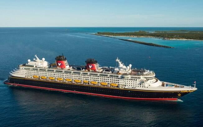 Os cruzeiros da Disney Cruise Line são temáticos e contam com várias atrações inspiradas em grandes clássicos