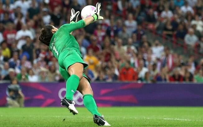 Hope Solo faz defesa na final contra o Japão  em Londres