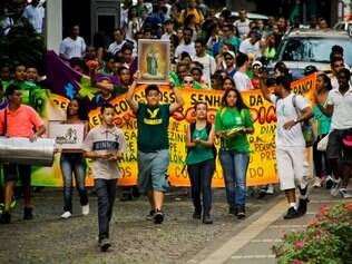 Cidades - Do dia - Belo Horizonte MG Domingo de Ramos na Igreja da Boa Viagem  FOTO: PEDRO GONTIJO / O TEMPO 13.04.2014
