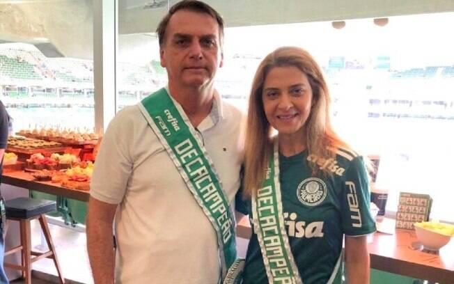 Bolsonaro com Leila Pereira nos camarotes do Allianz Parque