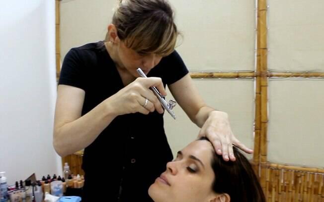 Sensação durante a aplicação é de um sopro na pele