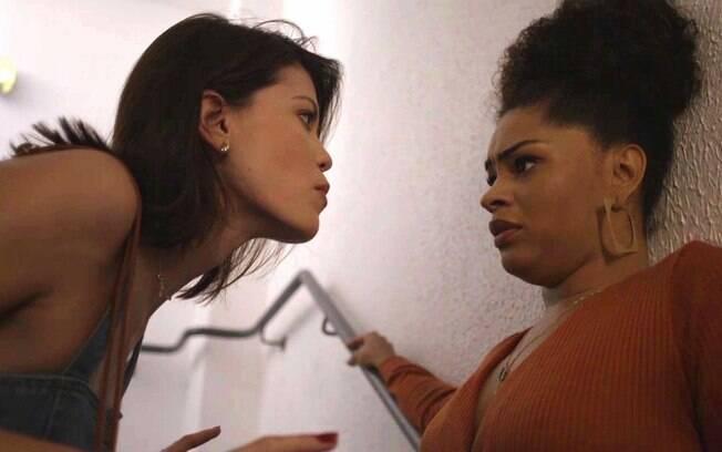 Após descobrir que Kyra está viva, Renatinha chantageia a moça para que ela desista do noivo