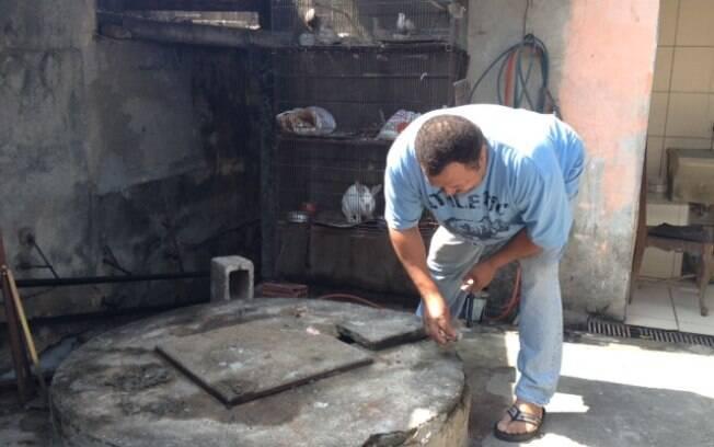 Por conta da falta de água encanada em alguns períodos da semana, família resolveu reabrir poço. Foto: Maria Fernanda Ziegler/iG