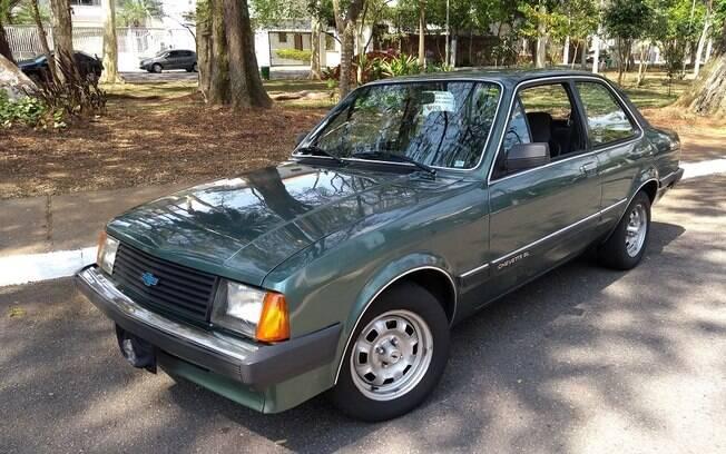 Chevette com câmbio automático:  raro exemplar ficou parado por vários anos e sempre foi bem conservado pelos donos da mesma família