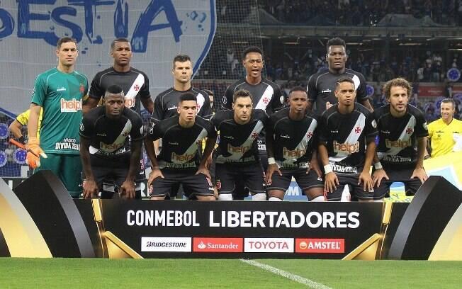 Time do Vasco antes de partida contra o Cruzeiro