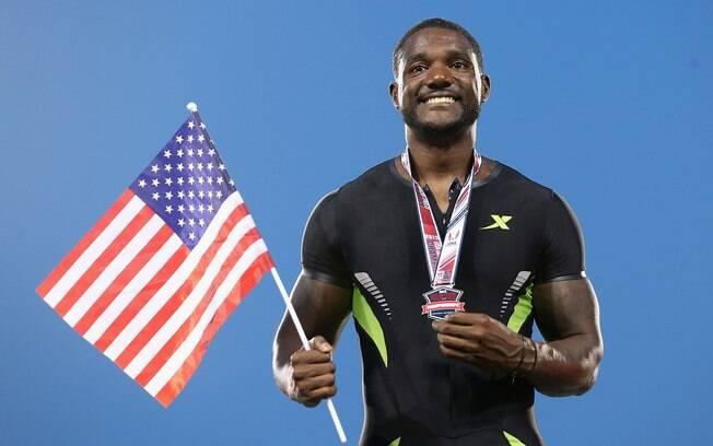 Justin Gatlin - velocista norte-americano  campeão olímpico de Atenas 2004 foi pego por  testosterona, ficou quatro anos suspenso e voltou  em 2010