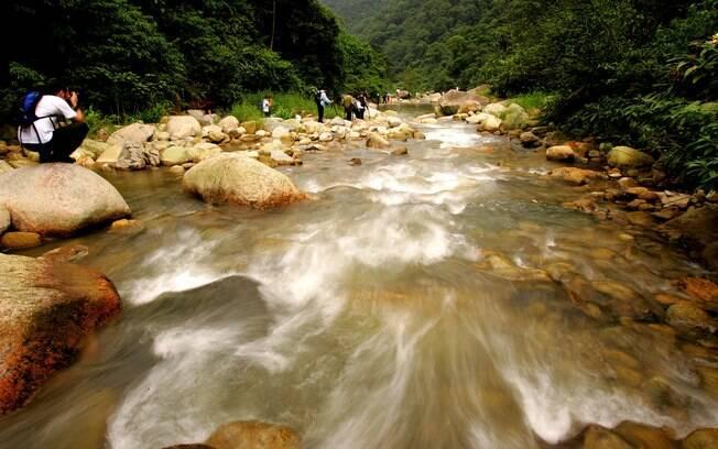 Trecho do Rio Mogi na chegada à Raiz da Serra, em Paranapiacaba