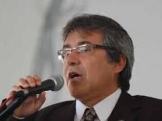 Presidente da Associação Nacional dos Dirigentes das Instituições Federais de Ensino Superior (Andifes), Targino de Araújo defende a presença de um técnico no ministério