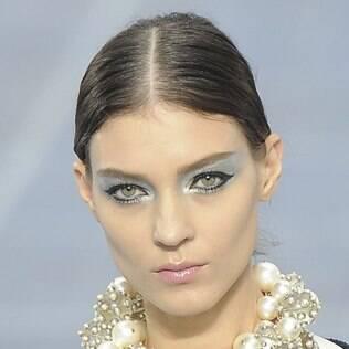 Sombra prateada no desfile da Chanel