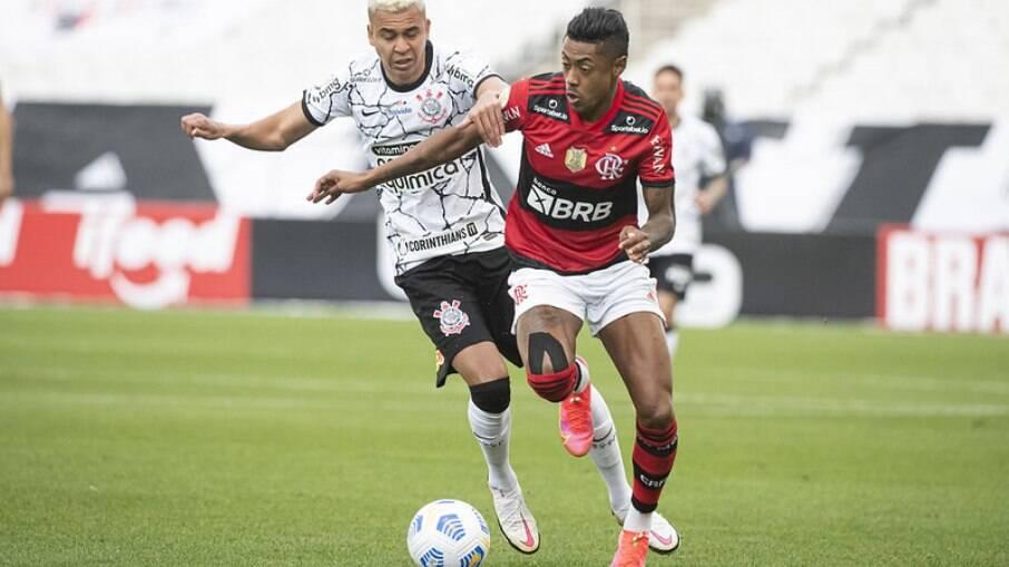 Flamengo e Corinthians devem predominar em programação na TV aberta