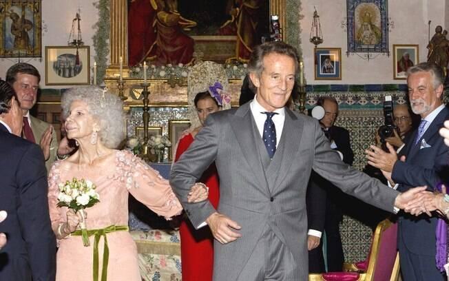Duquesa de Alba não escondeu a alegria por se casar com Alfonso Díez Carabantes, 60 anos