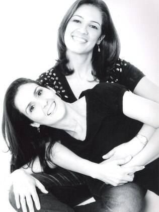 Mônica Rodriguez Cuneo e a esposa Renata Souto Perdigão Granha, juntas há 23 anos