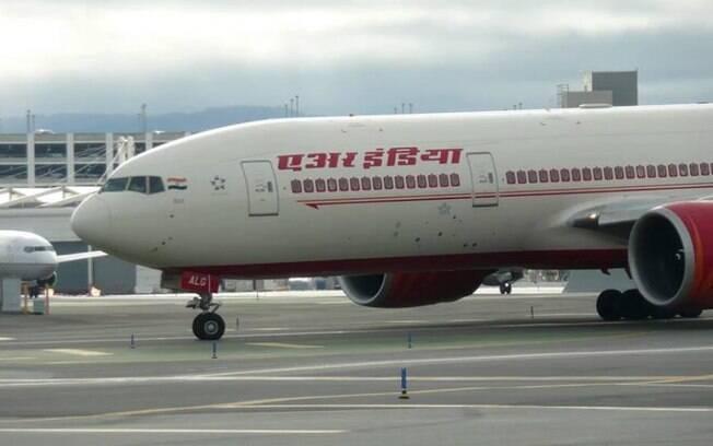 Os passageiros continuaram sua jornada em outra aeronave algum tempo depois