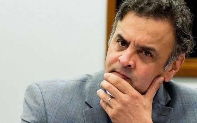 Conversas são conduzidas pelo senador tucano Aécio Neves (foto) e pelo secretário peemedebista Moreira Franco