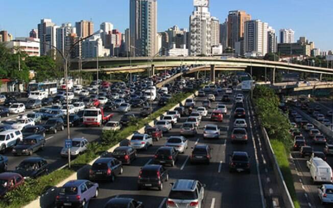 As vendas de carros caíram 265.255 unidades no 1º semestre, uma diferença de 25% em relação o mesmo período de 2015.