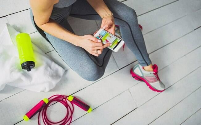 São vários os tipos de aplicativos fitness e você pode escolher um que atenda o que você busca e se encaixe na sua rotina