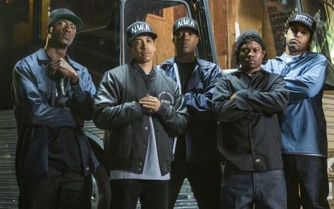 NWA foi um grupo de rap americano formado por Dre, Eazy-E, MC Ren, DJ Yella e Ice Cube