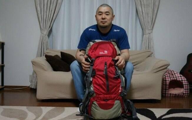 Rodrigo Sumikawa tem uma mochila preparada para uma emergência