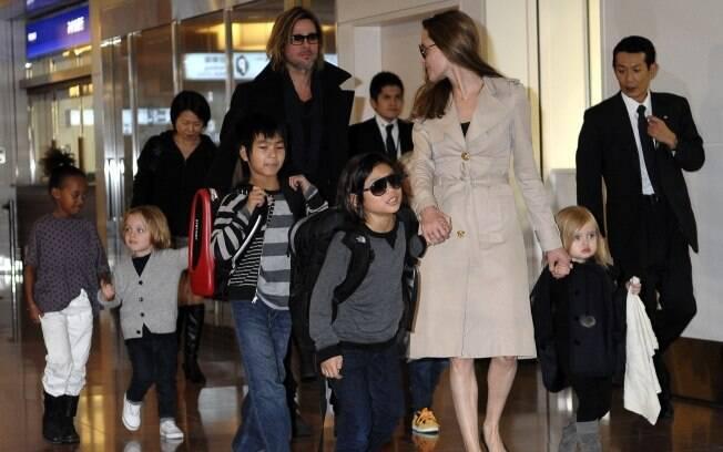 Brad Pitt foi ao Japão para divulgar seu novo filme
