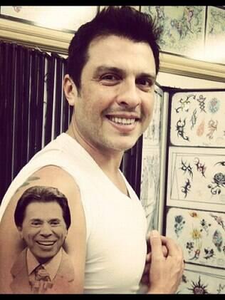 Wellington Muniz com a suposta tatuagem em homenagem a Silvio Santos