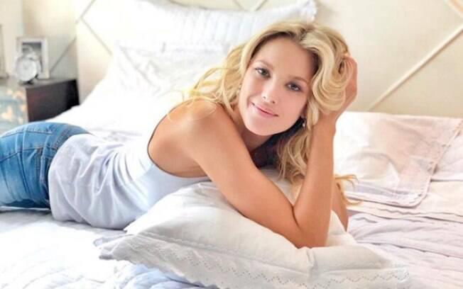 Em entrevista ao Delas, Gianne Albertoni compartilhou dicas de beleza para você se inspirar e incrementar sua rotina