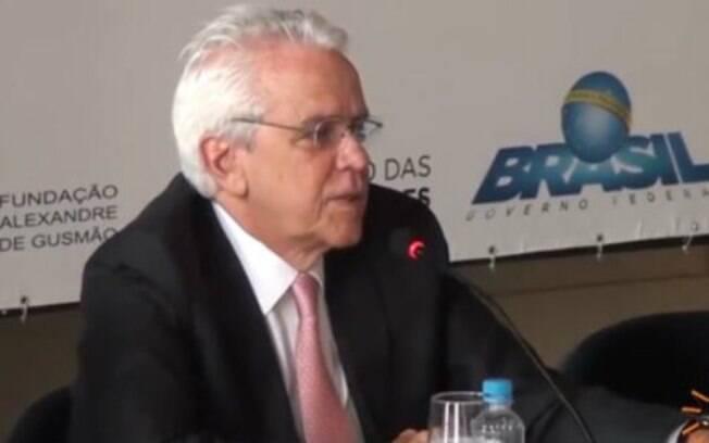 Roberto Castello Branco assumirá a presidência da Petrobras no lugar de Ivan Monteiro, que pode ser o próximo à frente do Banco do Brasil