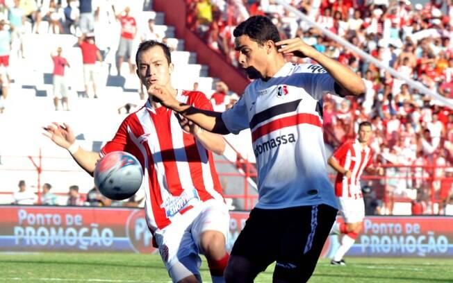 Náutico e Santa Cruz se enfrentaram neste  domingo de Pásco no estádio dos Aflitos pelo  Campeonato Pernambucano