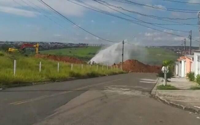 Vazamento interrompe abastecimento de água no Campo Grande, em Campinas