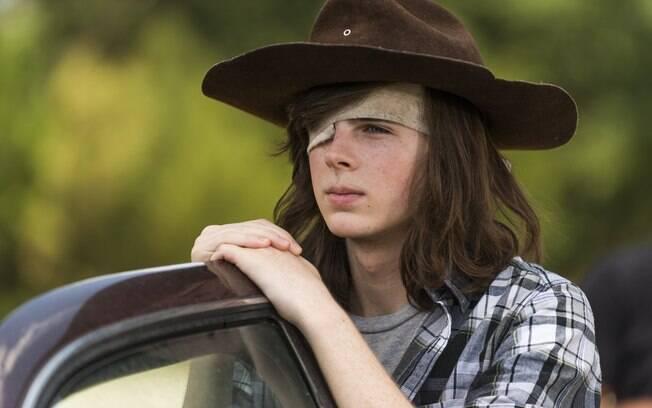 Carl é mordido e morre em episódio final da primeira parte da oitava temporada de